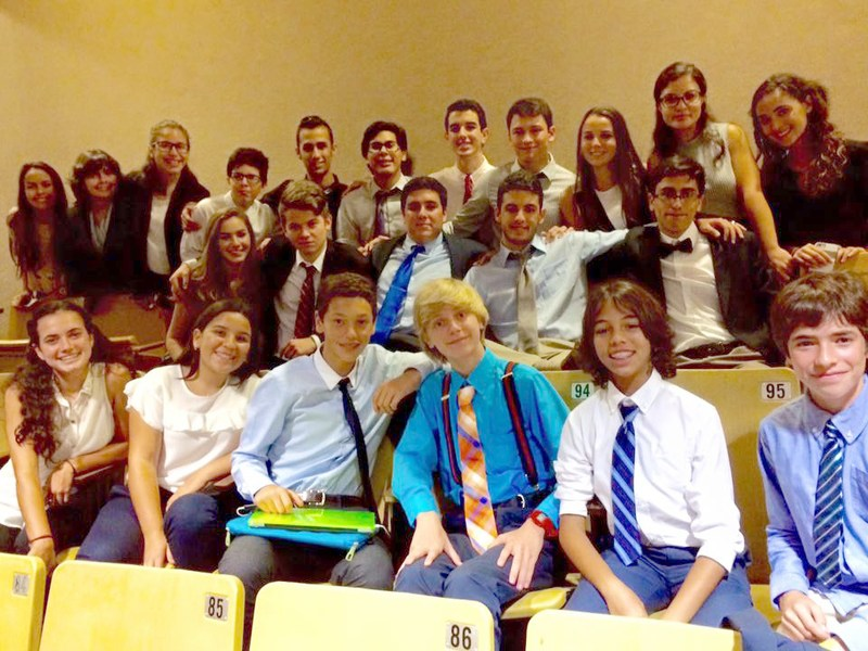 MUN Club receives 12 awards at last weekend's competition!