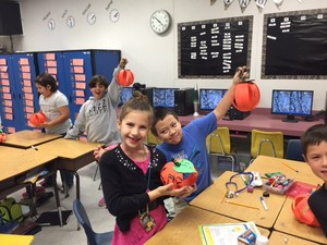 Thanksgiving 3-dimensional Art Activity and Writing