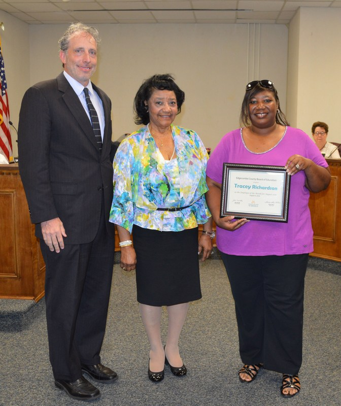 Richardson named ECPS Employee of the Month Thumbnail Image