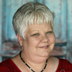 Elizabeth Ruby's Profile Photo