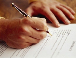 Financial Contracts for Returning Students