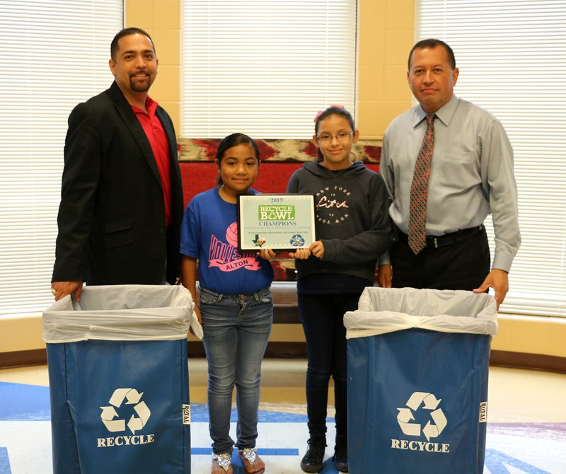 Alton Elementary School wins the Alton Recycle Bowl 1