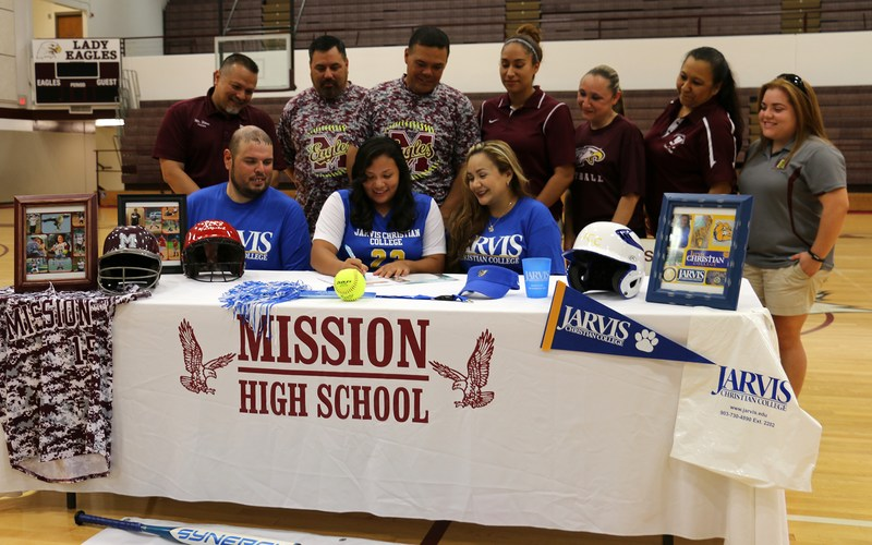 MHS student athlete signs with Jarvis Christian College
