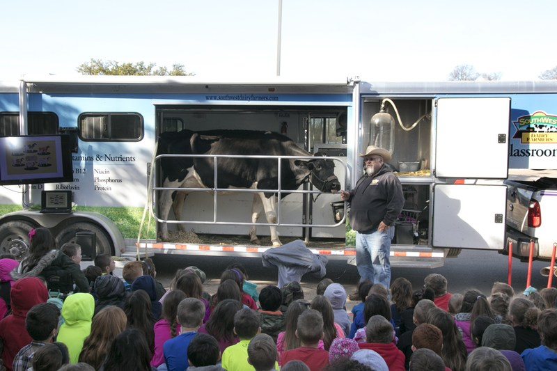 Curtis first graders view mobile dairy unit
