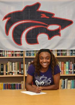 Ky'Ashlyn Price Signs 4-Year Full Ride Track Scholarship with SFA!