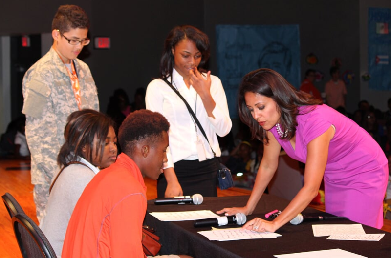 WFAA'S Cynthia Izaguirre Encourages Lancaster Middle School Students to Connect to their Dreams
