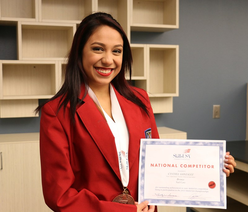 VMHS cosmetology student places third in national competition
