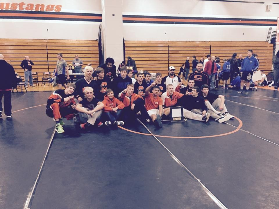 Photo of Mustang wrestling team