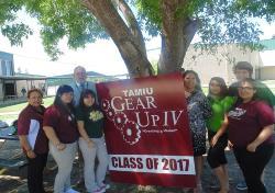 TAMIU GEAR UP IV Student Ambassadors of the Class 2017