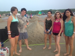 Akins ceramics students win second place at the Texas Sand Fest