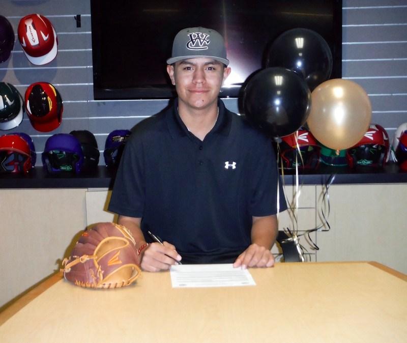 Baseball College Signing: Geovani Ceballos