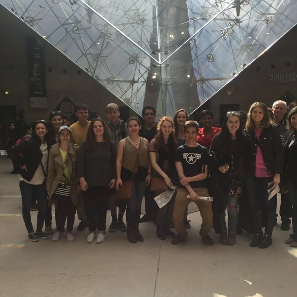 French Exchange students at the Louvre
