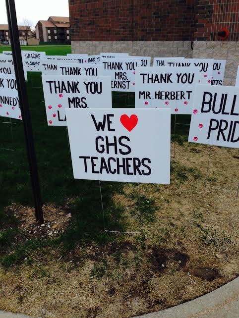 We Love GHS Teachers signs outside