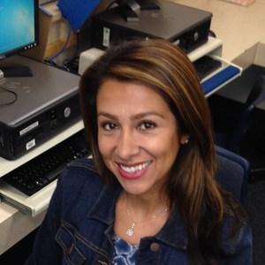 Elizabeth Nasouf's Profile Photo