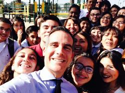 Neuwirth's JSA Chapter Meets the Mayor