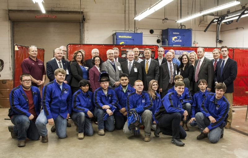 Governor Haslam visits WCHS Thumbnail Image