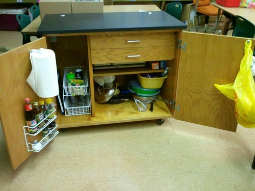 kitchen cart.jpeg