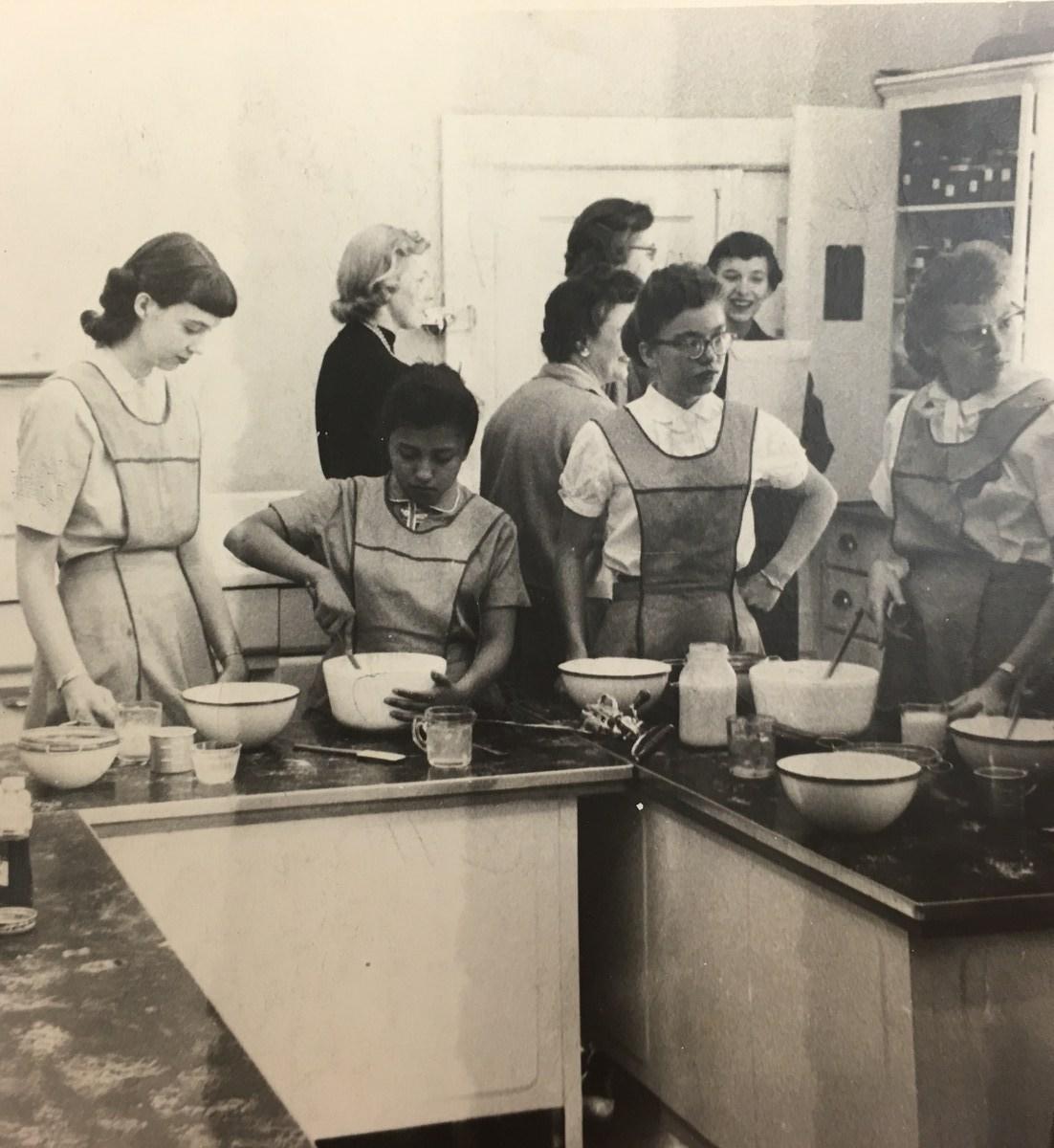 Retro ISD Cooking Class