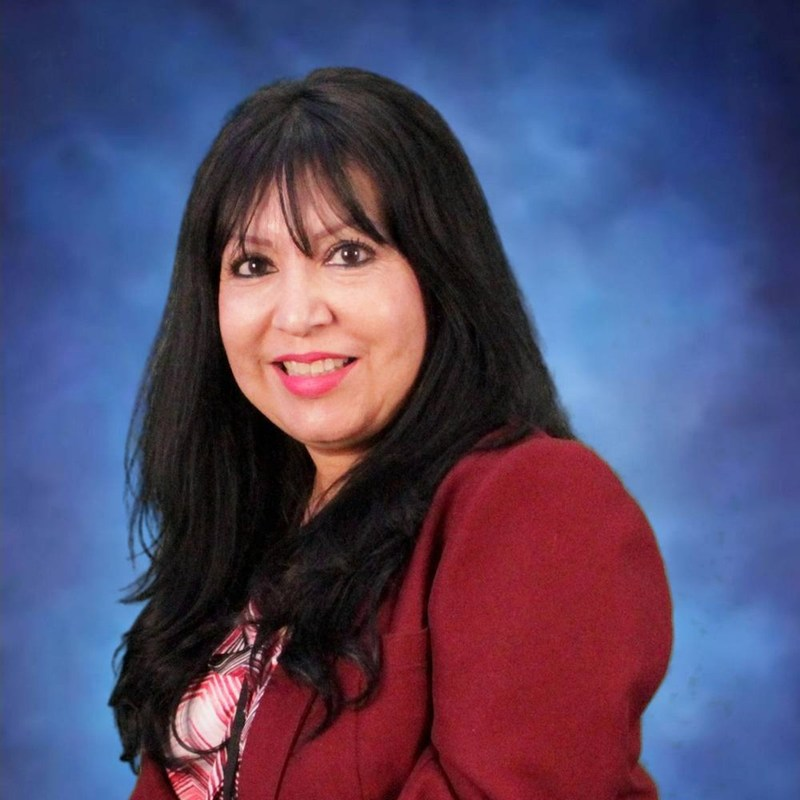 Sharing the Tiger Spotlight this week is none other than 9th grade Counselor, Deodeli Martinez.