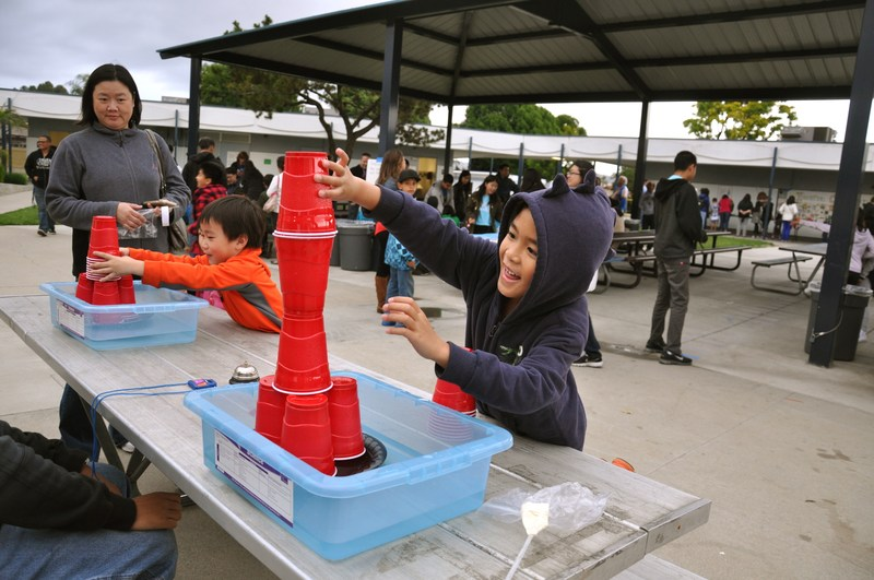Vejar science night offers fun for entire family