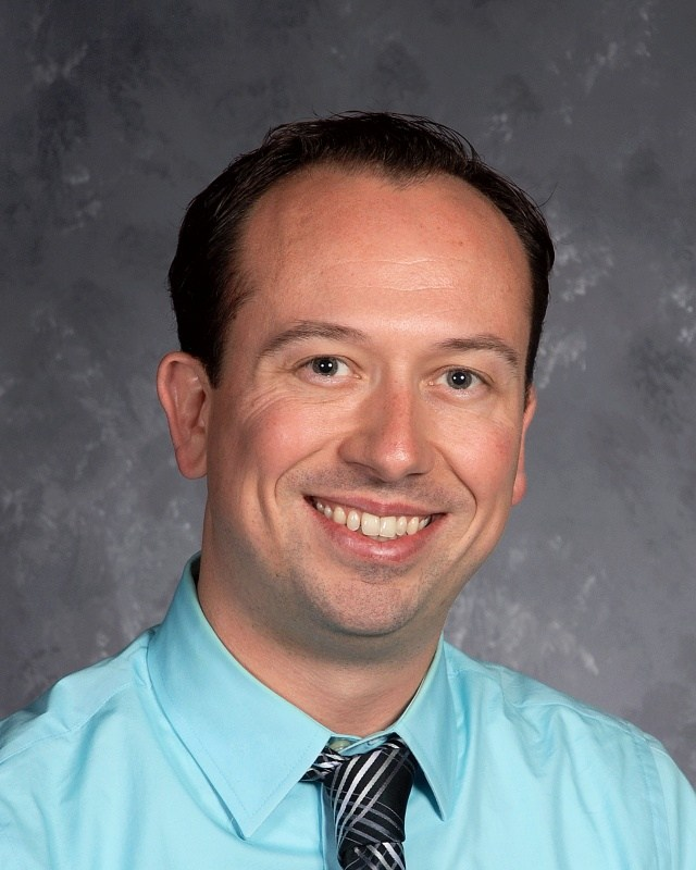 Congratulations to Mr. Kevin Lutz, a teacher in our Math department, who will also be singing with the Papal Choir for Mass with Pope Francis.