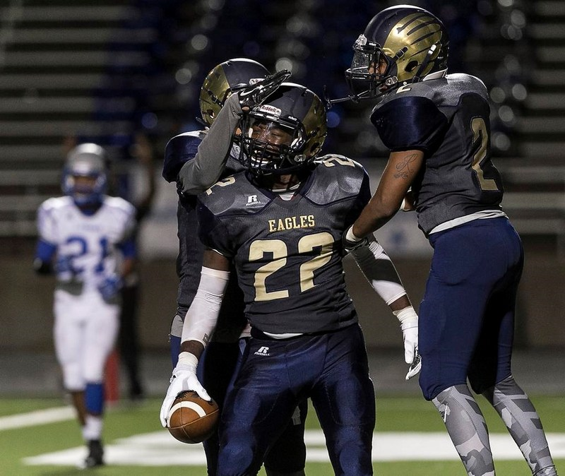 The Akins Eagles beat the Anderson Trojans (28-13)