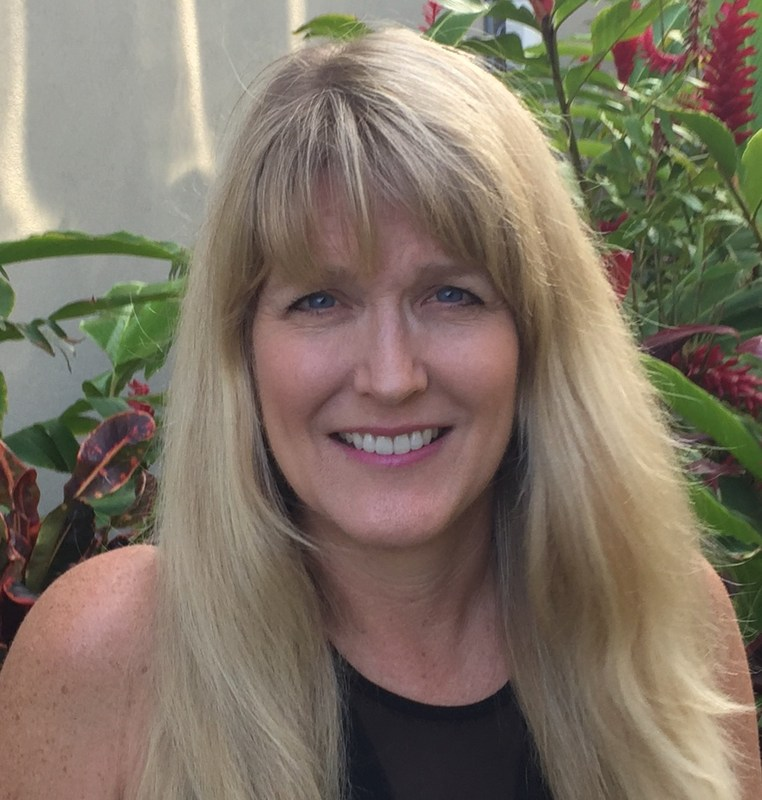 Mrs. Gail Weisz recently moved back to Hawaii after a few years on the mainland.  She looks forward to incorporating technology and media resources in our library curriculum.