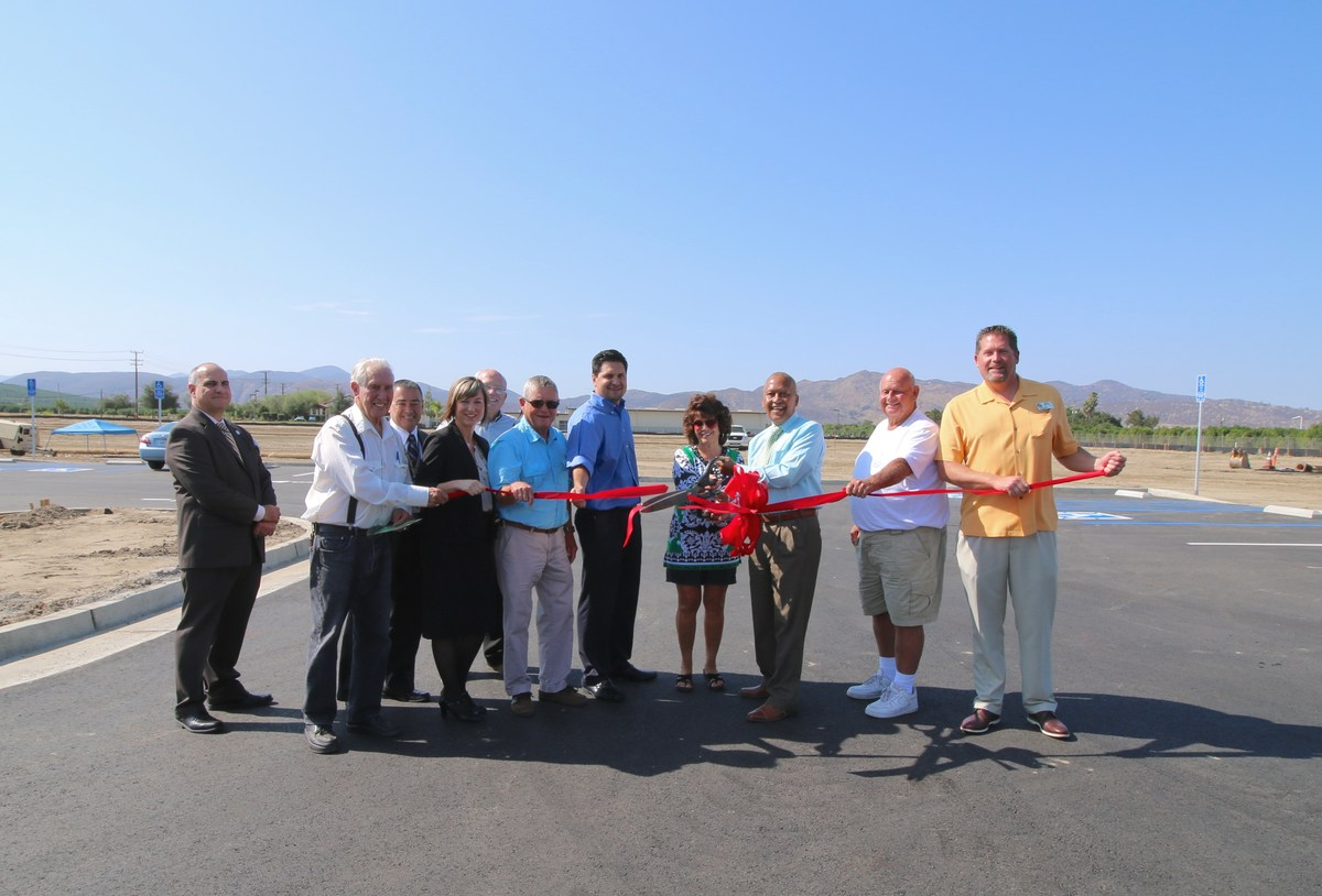 Red Ribbon Cutting for park across from Valle Vista