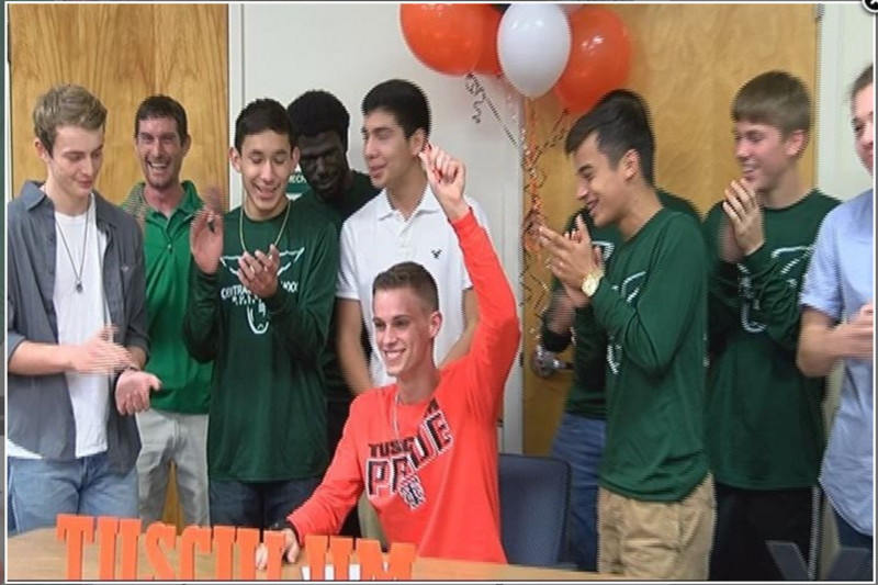 Mason Snelson signs with Tusculum