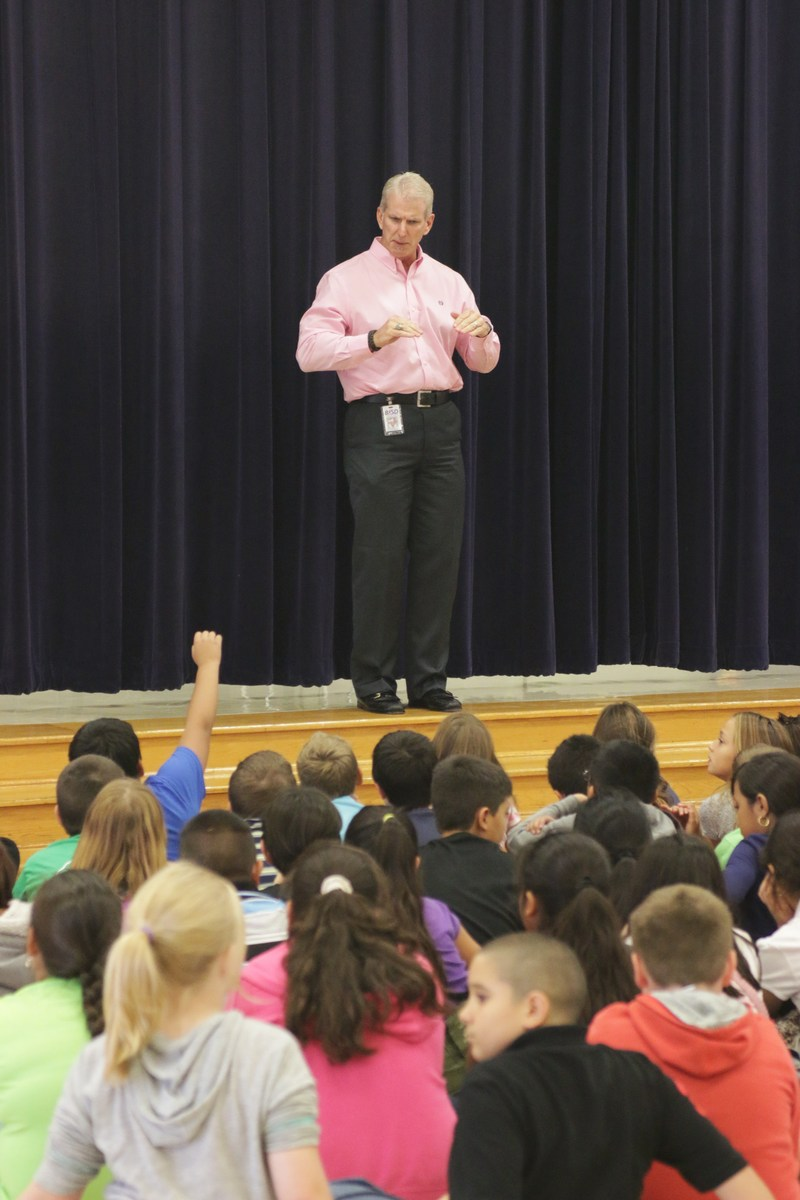 Superintendent starts college talks at Red Rock ES