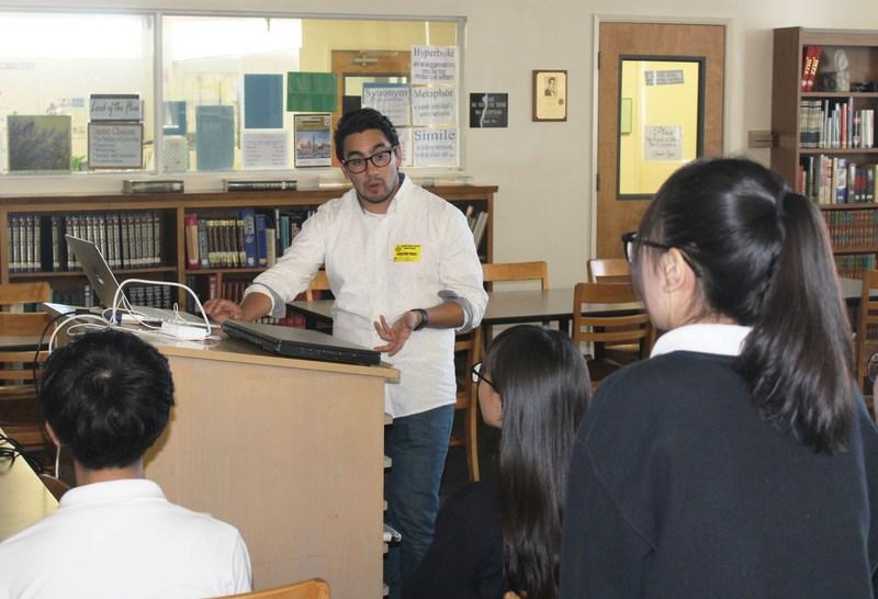 Bellezza '99 Returns to Speak to Students