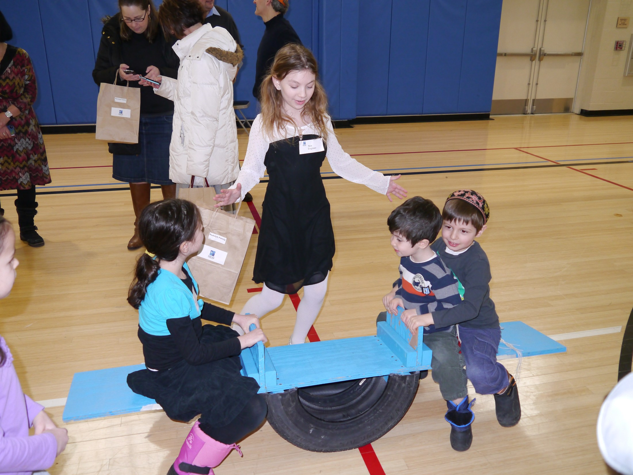 STEM Fair – Mizrachi Magic – Fuchs Mizrachi School
