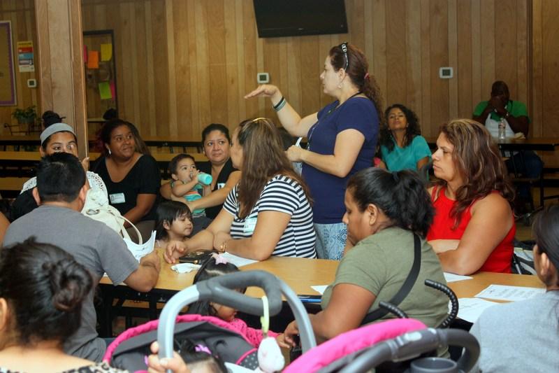 Varnett detalla los planes para alumnos con dificultades, muestra cómo los padres pueden ayudar a