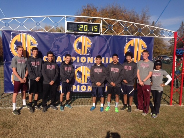 Boys Cross Country Team Arrives at State