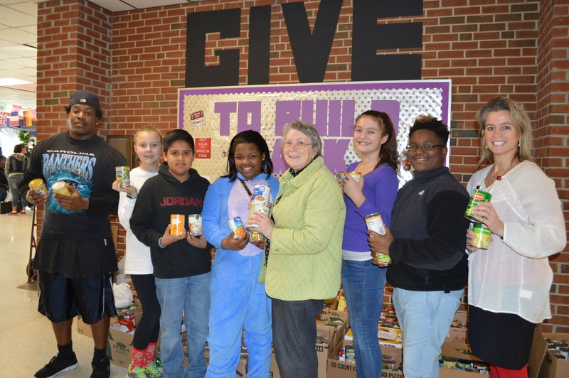 MMA Scholars Collect Items for Local Food Pantry Thumbnail Image