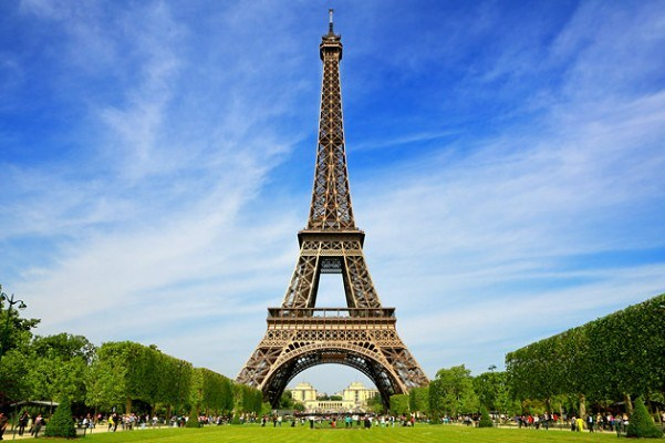 BON JOUR!!! ARE YOU INTERESTED IN A SUMMER TRIP TO FRANCE?!