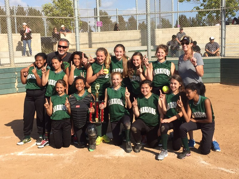 Junior High Softball Brings HomeTrophy