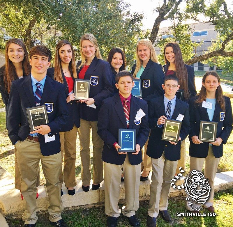 SHS DECA Students Advance to State Competition
