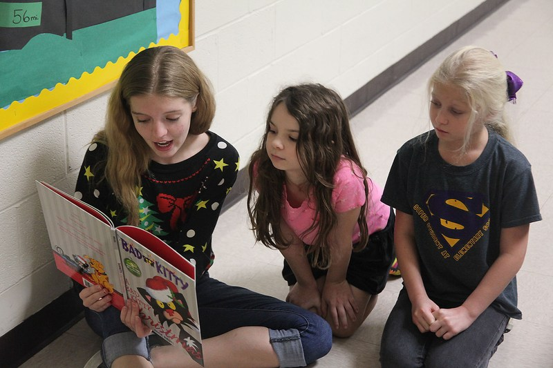 Teen Library Board reads at elementary schools