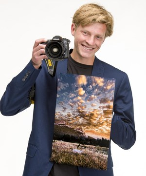 Fountain Valley High School (FVHS) senior, Noah Carr was selected as an OCVarsity Arts Top 10 Artist of the Year finalist.